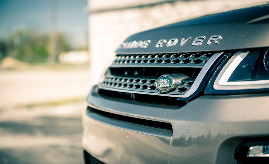 2017 Land Rover Range Rover Evoque - Slide 23