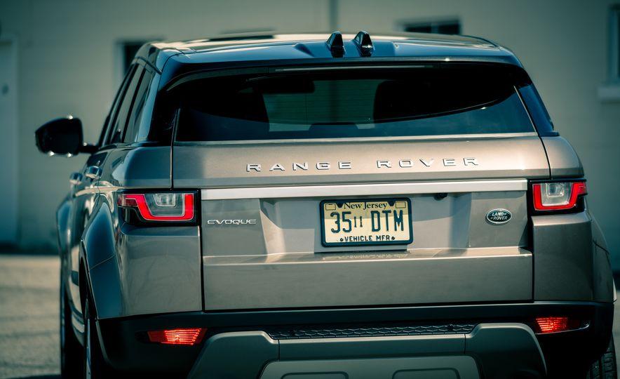 2017 Land Rover Range Rover Evoque - Slide 28