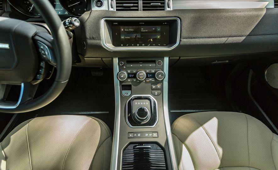 2017 Land Rover Range Rover Evoque - Slide 36
