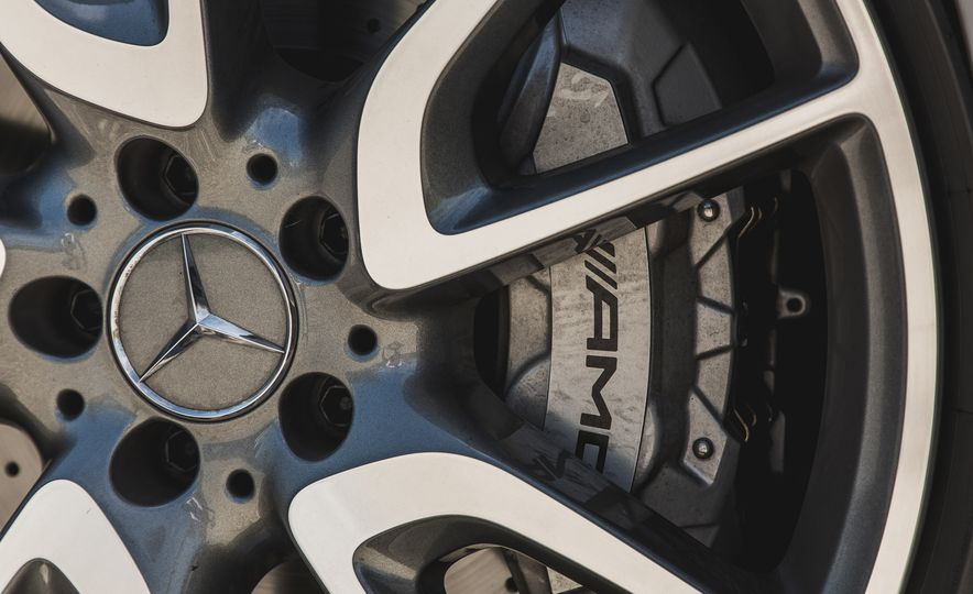 2017 Mercedes-AMG E43 - Slide 21