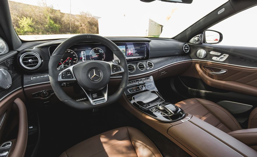 2017 Mercedes-AMG E43 - Slide 27