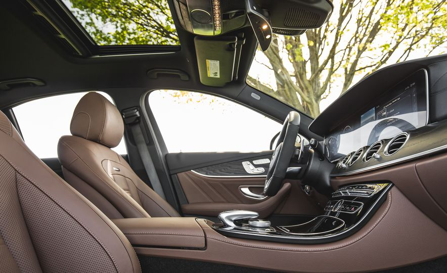 2017 Mercedes-AMG E43 - Slide 32