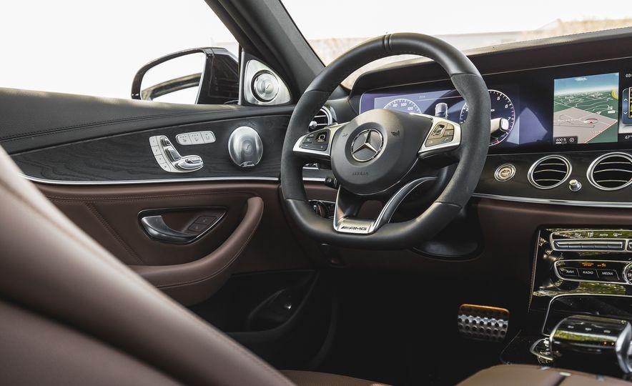 2017 Mercedes-AMG E43 - Slide 39