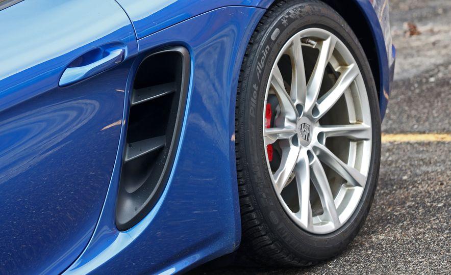 2017-Porsche-718-Boxster-S-LeadGallery - Slide 23