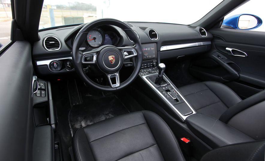 2017-Porsche-718-Boxster-S-LeadGallery - Slide 27