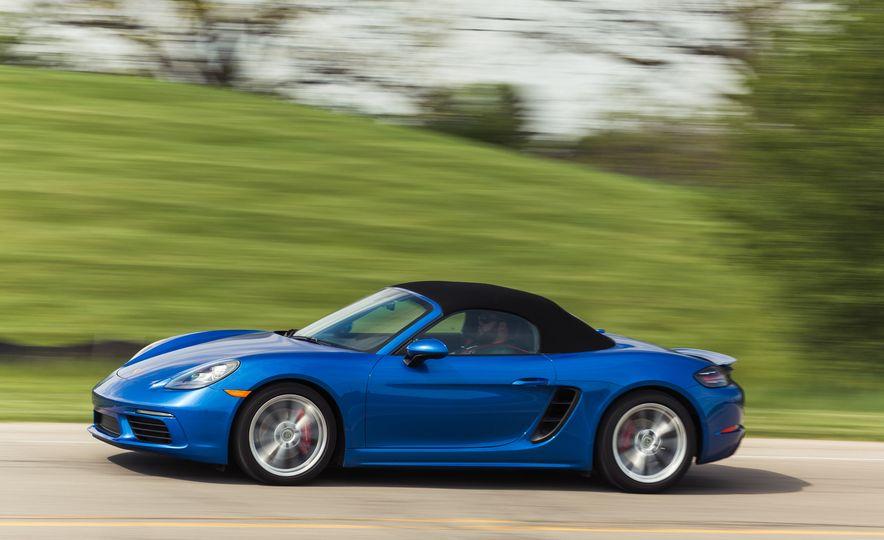 2017-Porsche-718-Boxster-S-LeadGallery - Slide 62