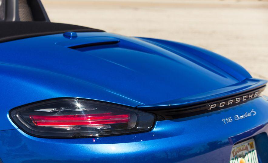 2017-Porsche-718-Boxster-S-LeadGallery - Slide 83