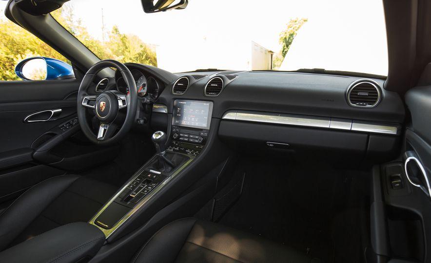 2017-Porsche-718-Boxster-S-LeadGallery - Slide 95