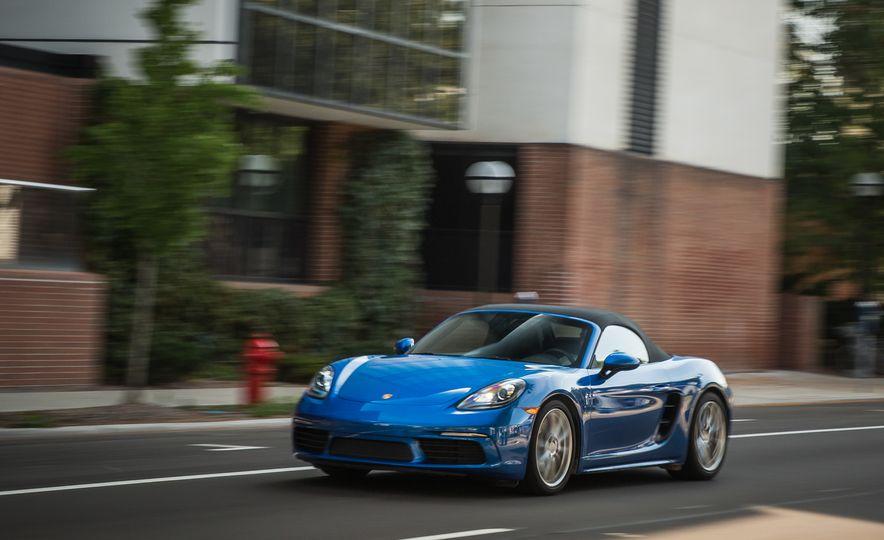 2017-Porsche-718-Boxster-S-LeadGallery - Slide 37