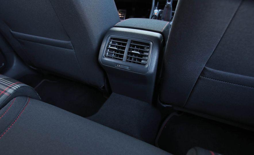 2017 Volkswagen Golf GTI - Slide 44