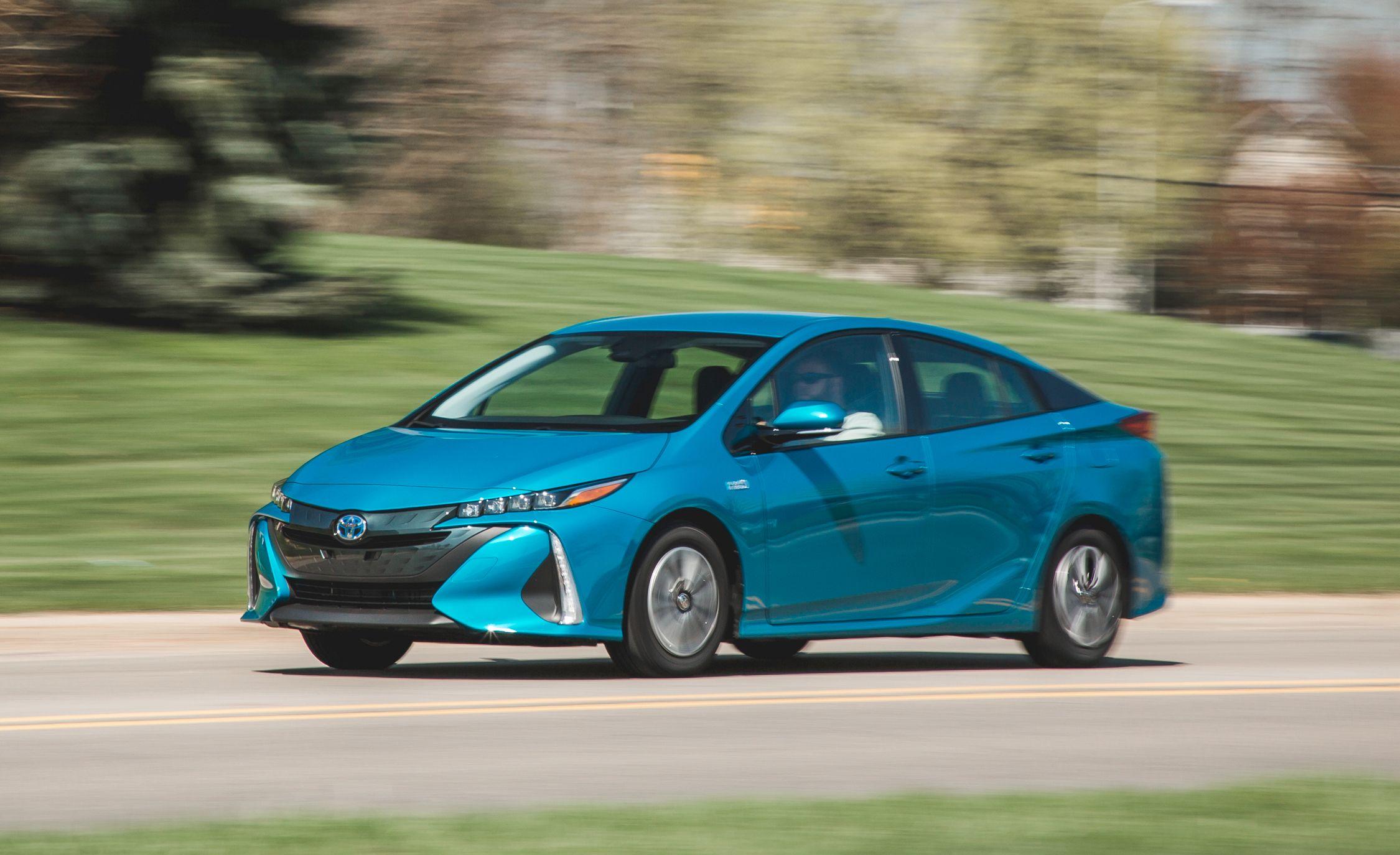 2019 Toyota Prius Prime Reviews Toyota Prius Prime Price Photos