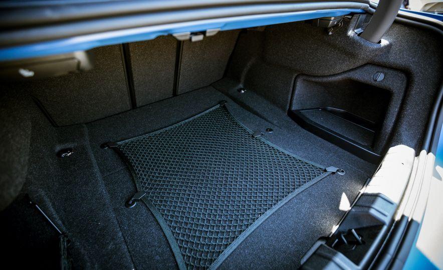 2018 BMW 440i - Slide 37