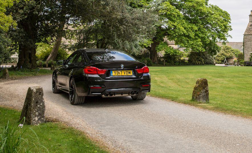 2018 BMW M4 - Slide 9