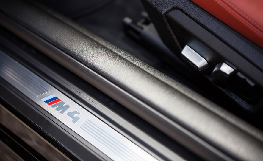 2018 BMW M4 - Slide 12