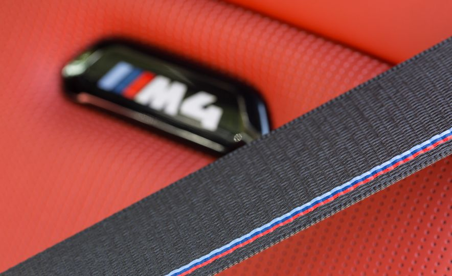 2018 BMW M4 - Slide 13