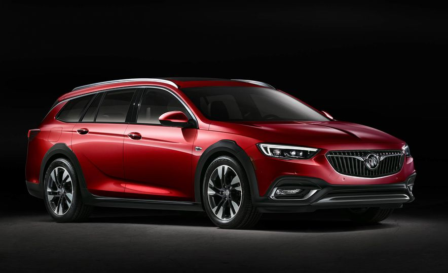 2018 Buick Regal TourX - Slide 14