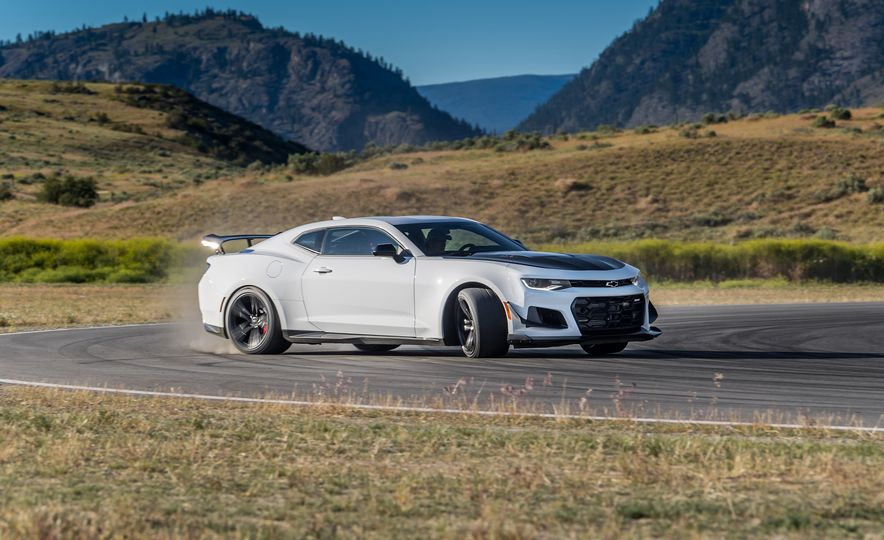 The 2018 Camaro ZL1 1LE Will Kick Your Ass 10 Ways - Slide 6