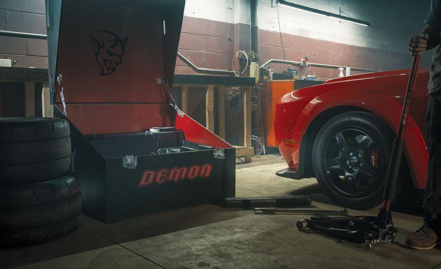 2018 Dodge Challenger SRT Demon - Slide 4