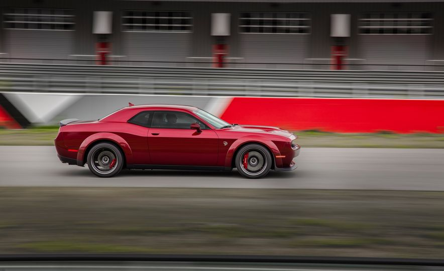 2018 Dodge Challenger SRT Hellcat Widebody - Slide 6