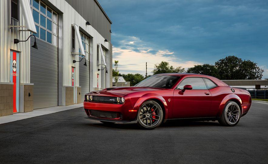 2018 Dodge Challenger SRT Hellcat Widebody - Slide 12