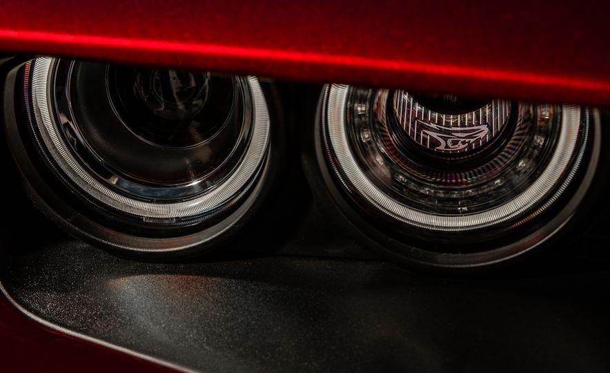 2018 Dodge Challenger SRT Hellcat Widebody - Slide 18