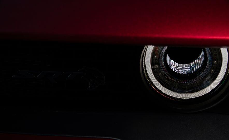 2018 Dodge Challenger SRT Hellcat Widebody - Slide 19
