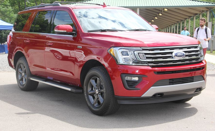 2018 Ford Expedition Pictures  Photo Gallery  Car and Driver