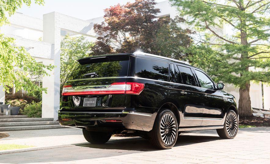 2018 Lincoln Navigator L - Slide 10