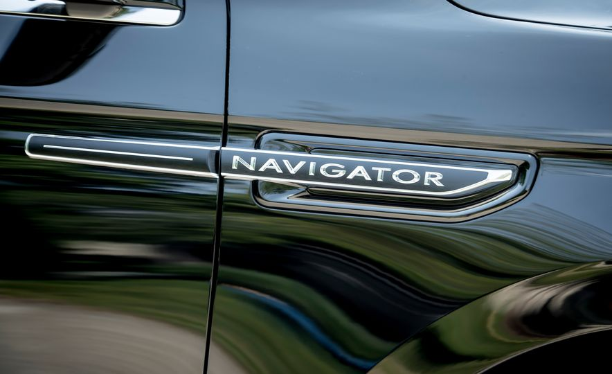 2018 Lincoln Navigator L - Slide 13