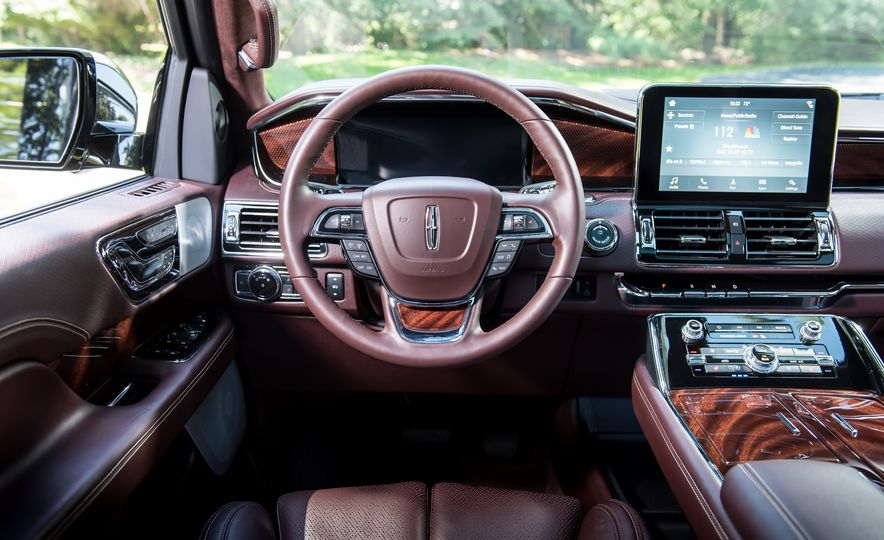 2018 Lincoln Navigator L - Slide 19
