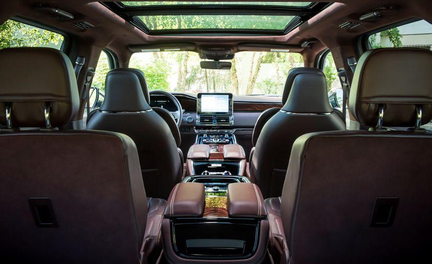 2018 Lincoln Navigator L - Slide 26