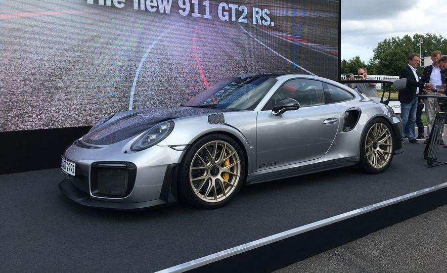 2018 Porsche 911 GT2 RS - Slide 1