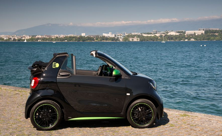 2018 Smart Electric Drive Cabriolet - Slide 14