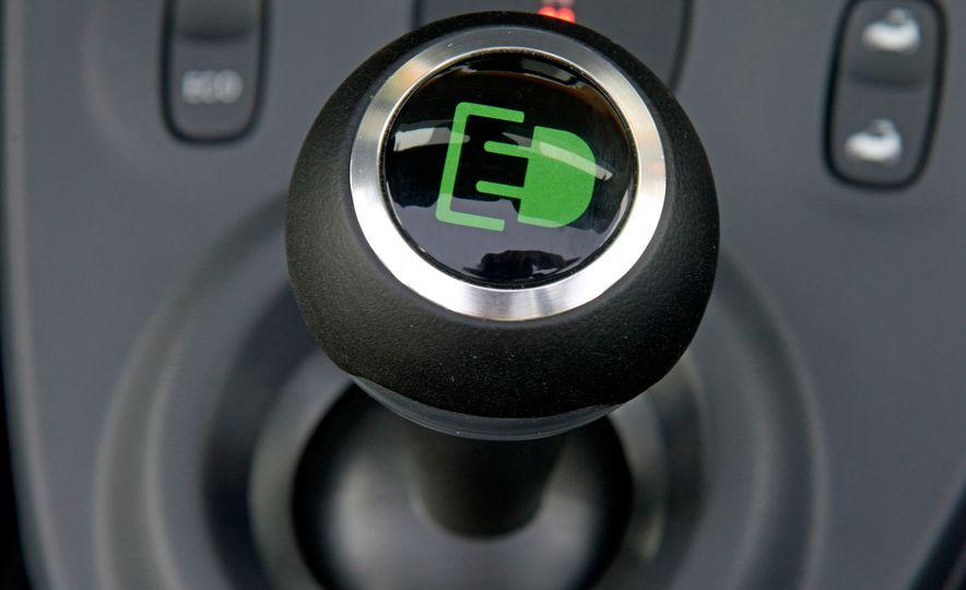 2018 Smart Electric Drive Cabriolet - Slide 38