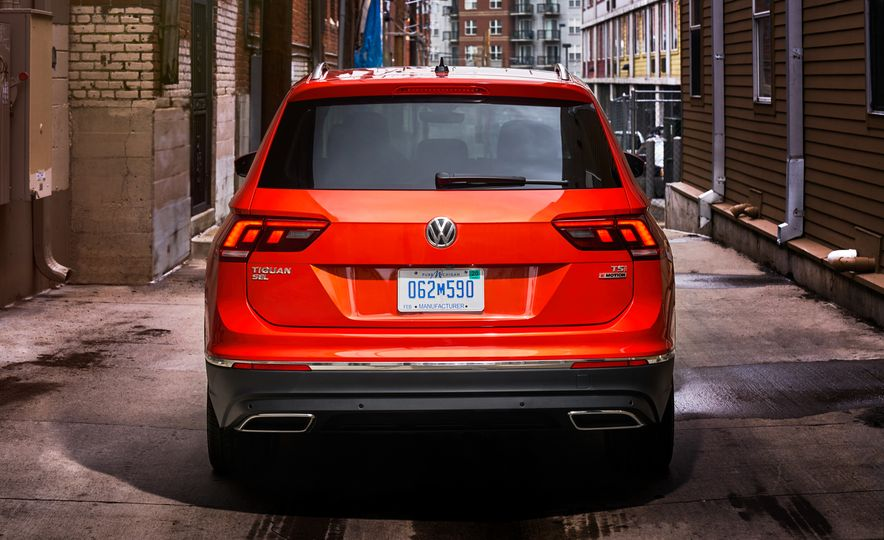 2018 Volkswagen Tiguan - Slide 11