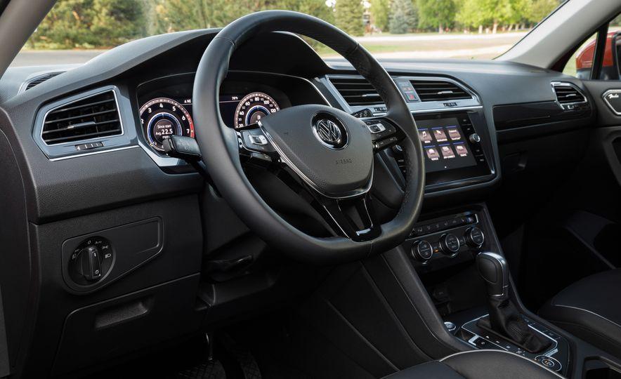 2018 Volkswagen Tiguan - Slide 31