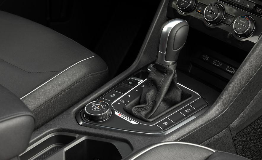 2018 Volkswagen Tiguan - Slide 38
