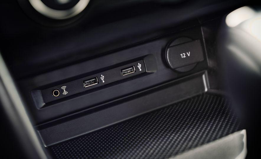 2018 Volkswagen Tiguan - Slide 39