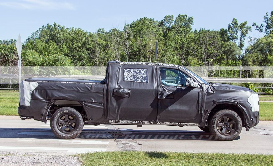 2019 Ram 1500 (spy photo) - Slide 4