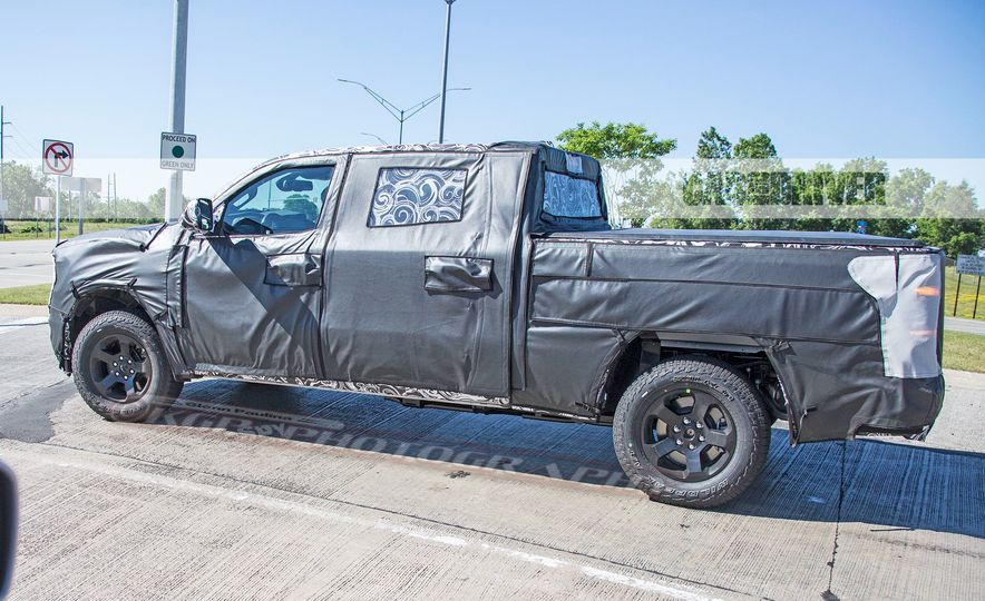 2019 Ram 1500 (spy photo) - Slide 9