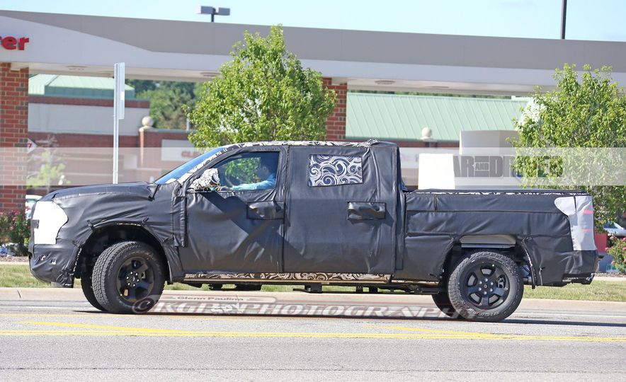 2019 Ram 1500 (spy photo) - Slide 12