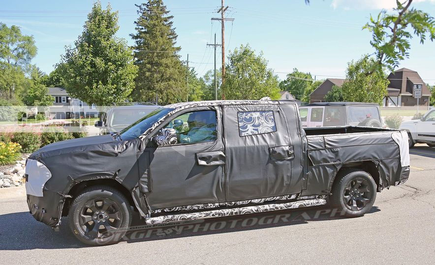 2019 Ram 1500 (spy photo) - Slide 13