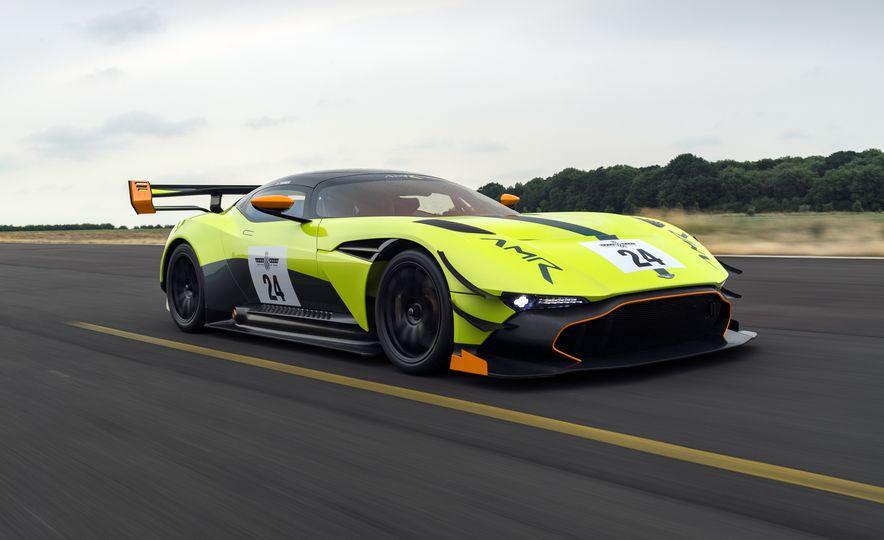 Aston Martin Vulcan AMR Pro - Slide 1