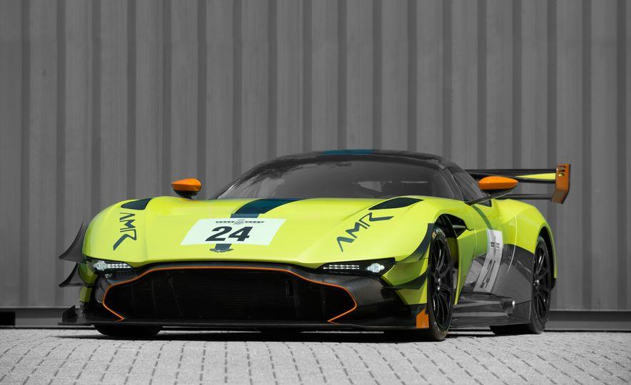 Aston Martin Vulcan AMR Pro - Slide 5