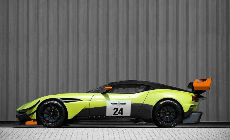 Aston Martin Vulcan AMR Pro - Slide 7