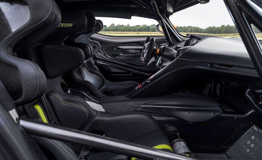 Aston Martin Vulcan AMR Pro - Slide 16