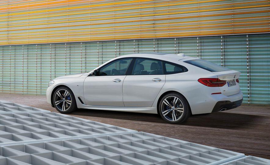 2018 BMW i3 and 2018 BMW i3s - Slide 37