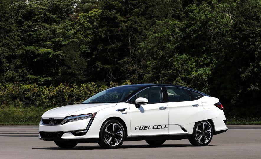 Honda Clarity Electric and Plug-In Hybrid - Slide 1
