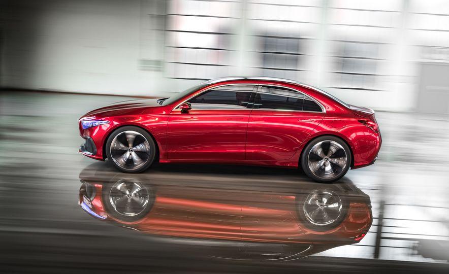 Mercedes-Benz Concept A Sedan - Slide 4