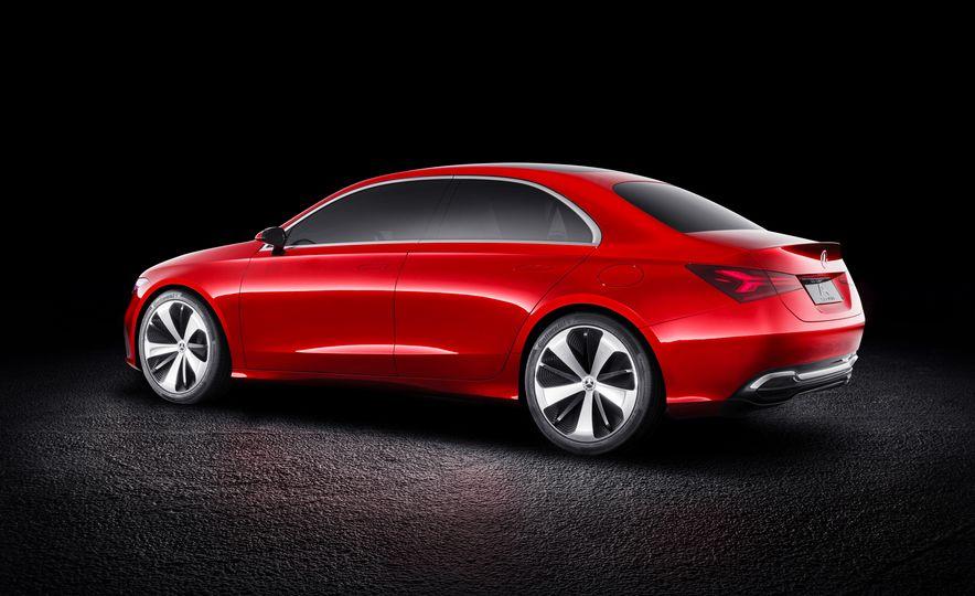 Mercedes-Benz Concept A Sedan - Slide 8